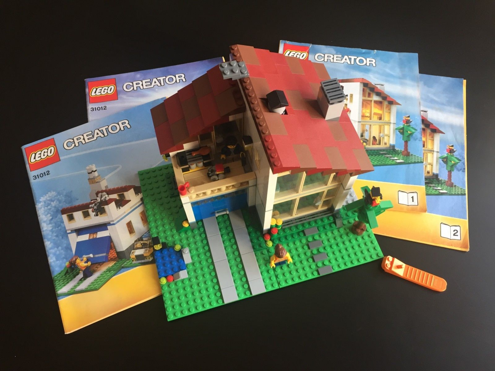 LEGO Creator 31012 Family House 3-in-1 COMPLETE Set+Manuals+Minifigs+Light Brick