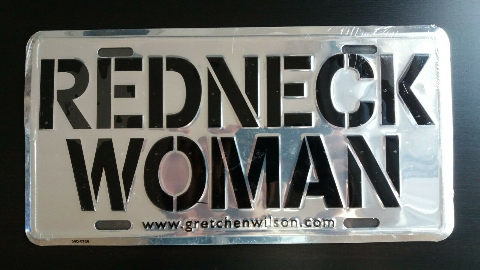 Vintage Gretchen Wilson REDNECK WOMAN Officially Licensed Car License Plate NEW